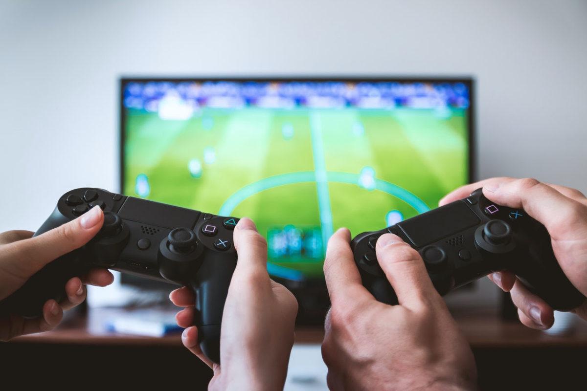 Professora do Colégio Marista alerta para os efeitos negativos do uso abusivo do videogame para o corpo