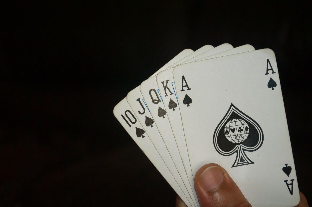 Como jogar poker com a força de suas habilidades?